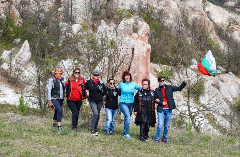 """Опознай и съхрани българското: обект  """"Вкаменена сватба"""""""